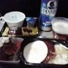 初☆ハワイアン航空の機内食 「ロコモコ」