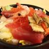 不揃いな具材でも、味は最高!! まかない丼 北海道「海老膳」