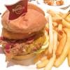 本場アメリカのハンバーガーが味わえる 大阪「ハードロックカフェ」
