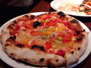 彩り野菜ピザ